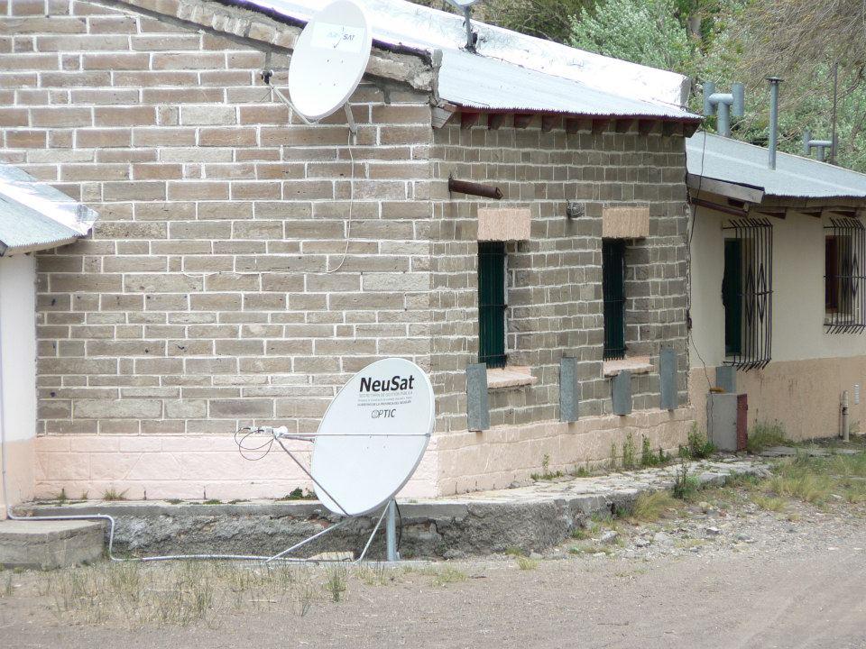 Conexión Satelital a Escuelas Rurales